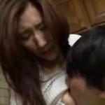 ショタコンお姉さんの家に忍び込み隠れてハメる悪ガキショタ JULIA