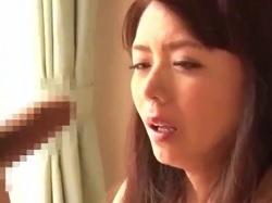 男子生徒を誘惑する魅惑の美熟女女教師 三浦恵理子