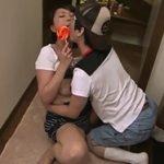 飴の様に舐めまくるショタを可愛がる熟女 円城ひとみ